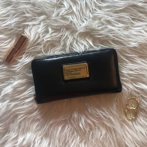 Marc Jacobs Black Supply Zipper Wallet